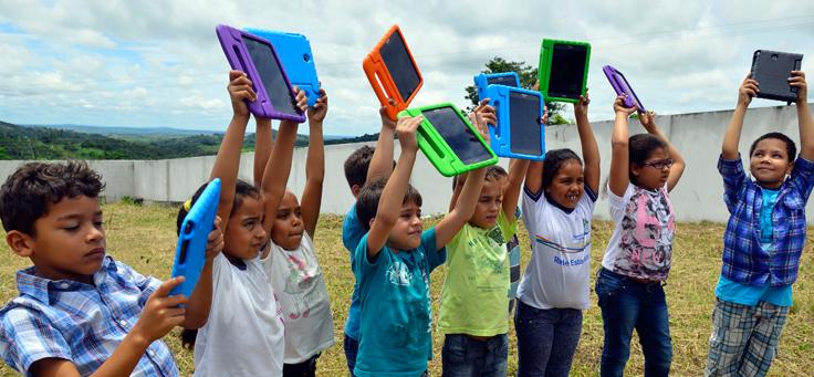 Laboratório oferece 150 tablets para os alunos e 120 notebooks para que os professores possam usar durante suas aulas.