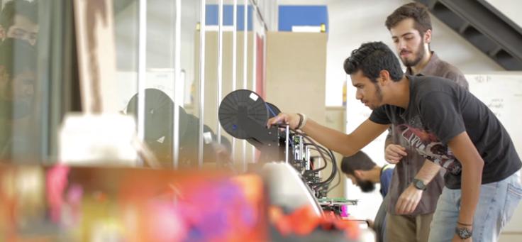 Laboratório introduz cultura maker a regiões periféricas da cidade, trazendo inovação e perspectivas