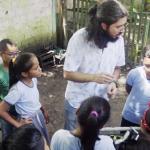 Professor cria Jogo da Horta para unir arte e educação ambiental