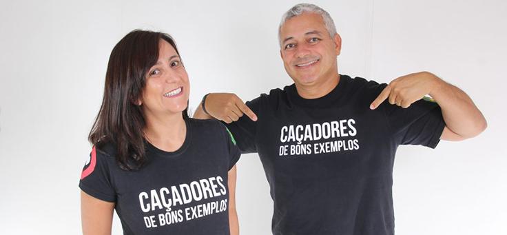Casal Iara e Eduardo, do Caçadores de Bons Exemplos, posam para a foto sorridentes