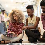 Propósito e internet são importantes na hora de empreender, dizem jovens