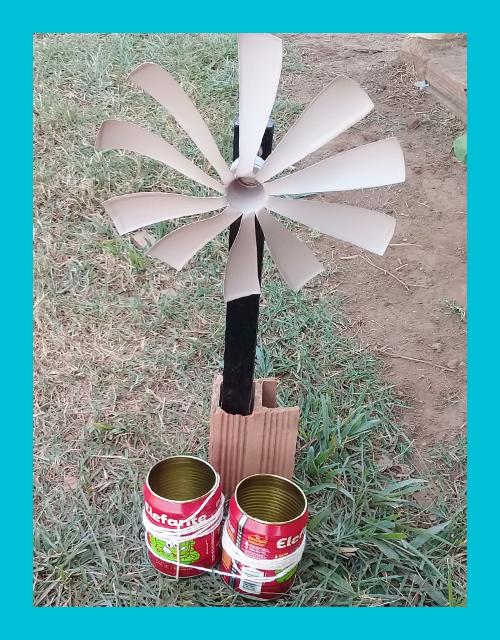 Cata-vento feito de materiais recicláveis