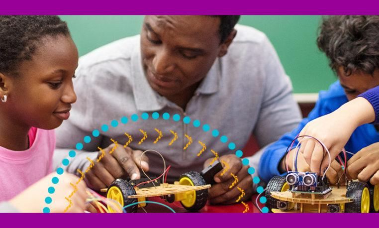 Curso para educadores aborda robótica sustentável e de baixo custo