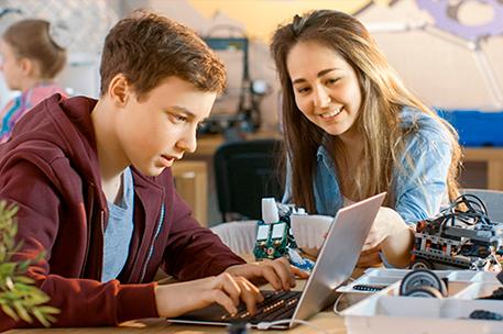 Informe Social da Fundação Telefônica Vivo: Guia Programaê