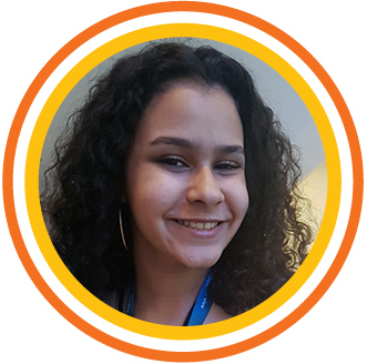"""Foto 1_Julia - Para Júlia Camelo Fernandes, 13, da EM André Urani (RJ), o dia foi de aprendizado. """"Incrível, vou levar muito conhecimento para casa""""."""