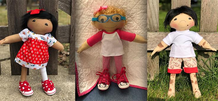 Texto Alternativo Montagem traz três bonecas produzidas pela voluntária