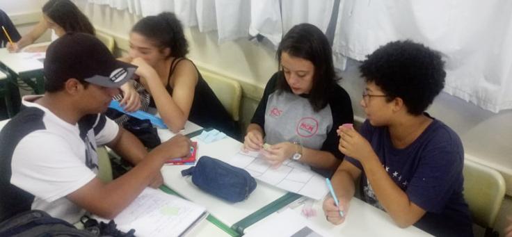 Formação de multiplicadores do Pense Grande em Etecs de São Paulo incentiva o contato com ferramentas tecnológicas.