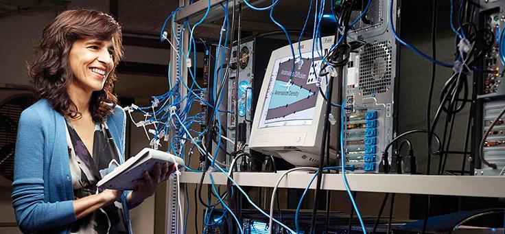 Foto de Márcia Barbosa, doutora e pesquisadora do Instituto de Física da Universidade Federal do Rio Grande do Sul (UFRGS)