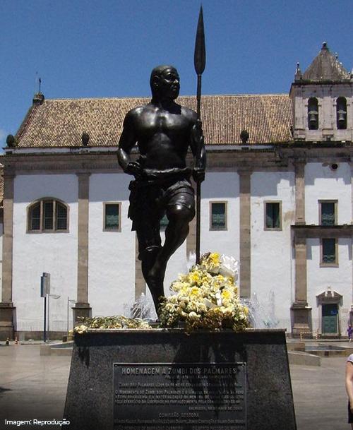 Imagem do monumento Zumbi dos Palmares