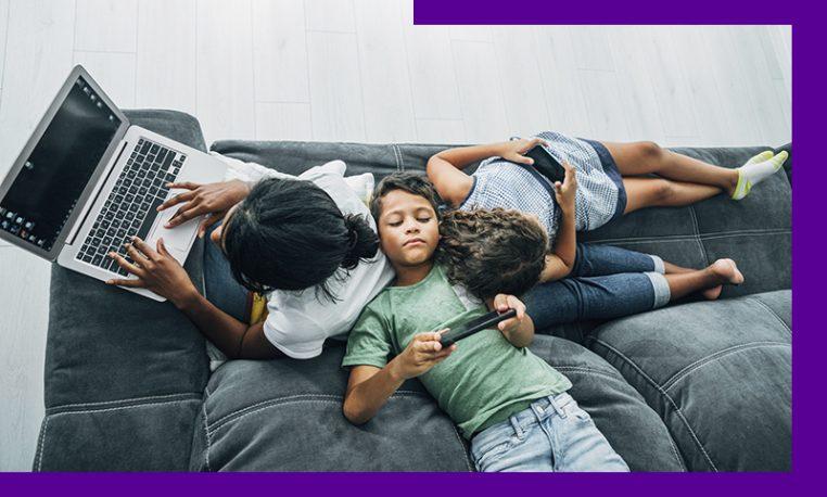 O efeito do excesso de telas para crianças e adolescentes durante a pandemia