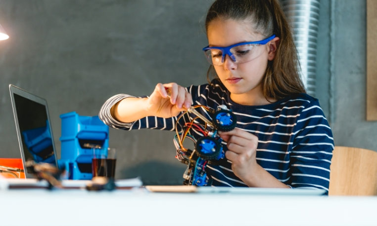 De programação a robótica sustentável: conheça a Coleção de Tecnologias Digitais