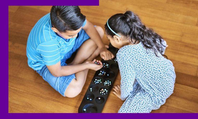 6 brinquedos e jogos para a incentivar uma educação antirracista